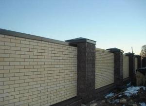 Отделка оград: строительство и отделка заборов