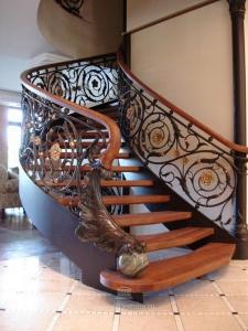 Лестницы для домов. Лестницы на тетивах